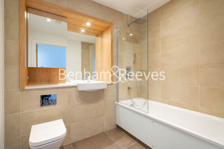 2 bedroom(s) flat to rent in Marine Wharf East, Surrey Quays, SE8-image 4
