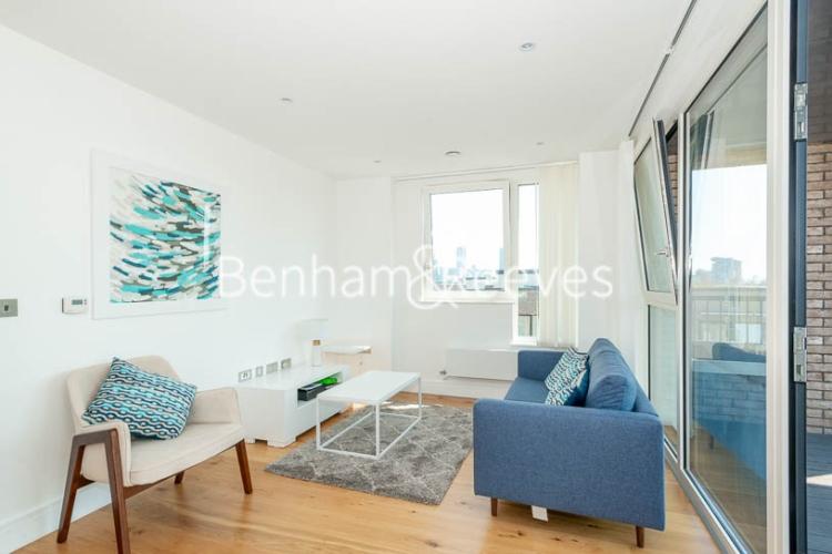 1 bedroom(s) flat to rent in Harbourside Court, Surrey Quays, SE8-image 1