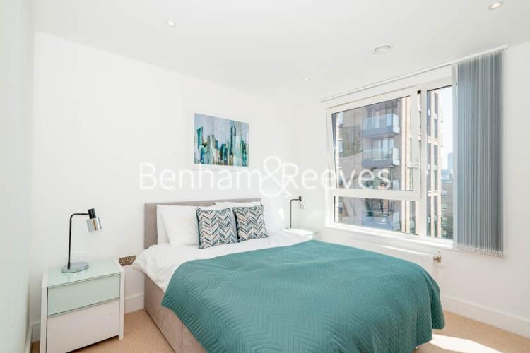 1 bedroom(s) flat to rent in Harbourside Court, Surrey Quays, SE8-image 3