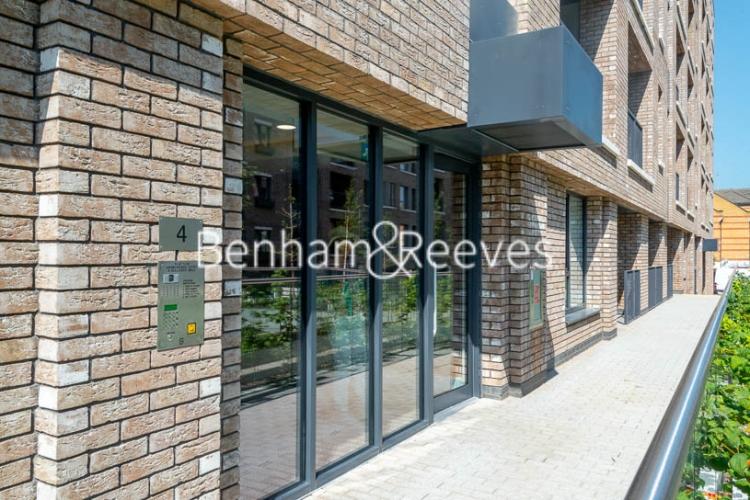 1 bedroom(s) flat to rent in Harbourside Court, Surrey Quays, SE8-image 5