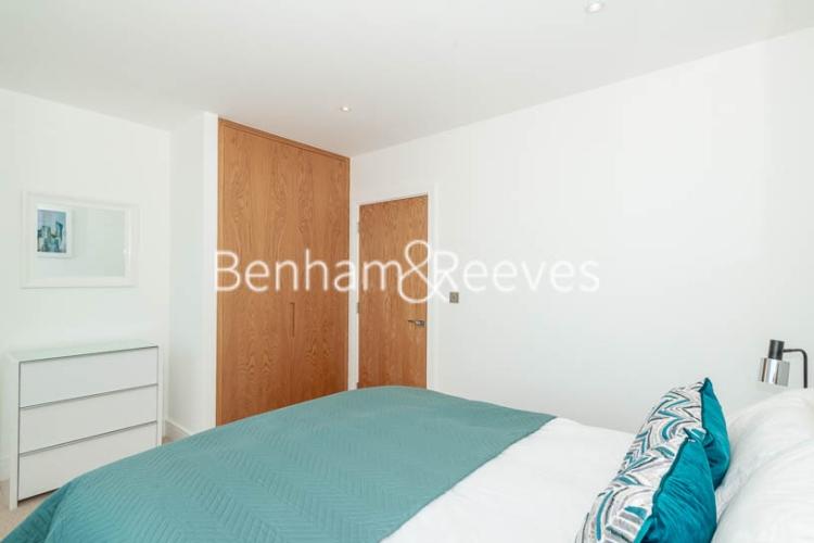 1 bedroom(s) flat to rent in Harbourside Court, Surrey Quays, SE8-image 7