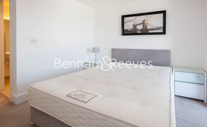 2 bedroom(s) flat to rent in Tilston Bright Square, Surrey Quays, SE2-image 3