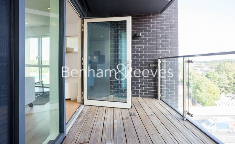2 bedroom(s) flat to rent in Tilston Bright Square, Surrey Quays, SE2-image 5