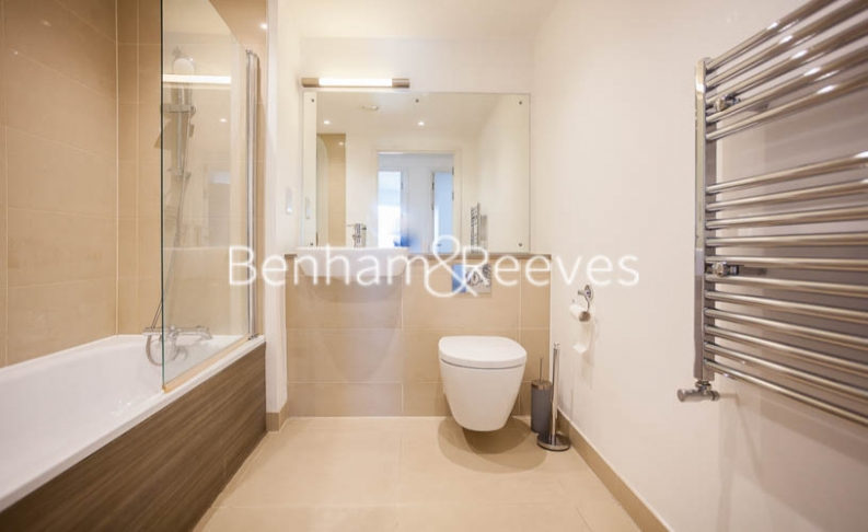 2 bedroom(s) flat to rent in Tilston Bright Square, Surrey Quays, SE2-image 8