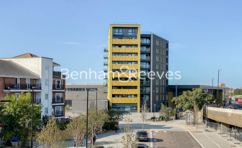 2 bedroom(s) flat to rent in Tilston Bright Square, Surrey Quays, SE2-image 9