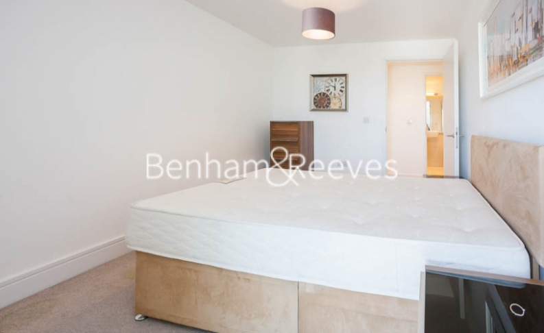 2 bedroom(s) flat to rent in Tilston Bright Square, Surrey Quays, SE2-image 12