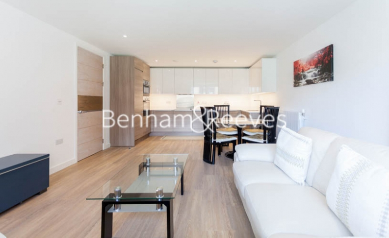 3 bedroom(s) flat to rent in Baroque Gardens, Marine Wharf, Surrey Quays, SE16-image 1