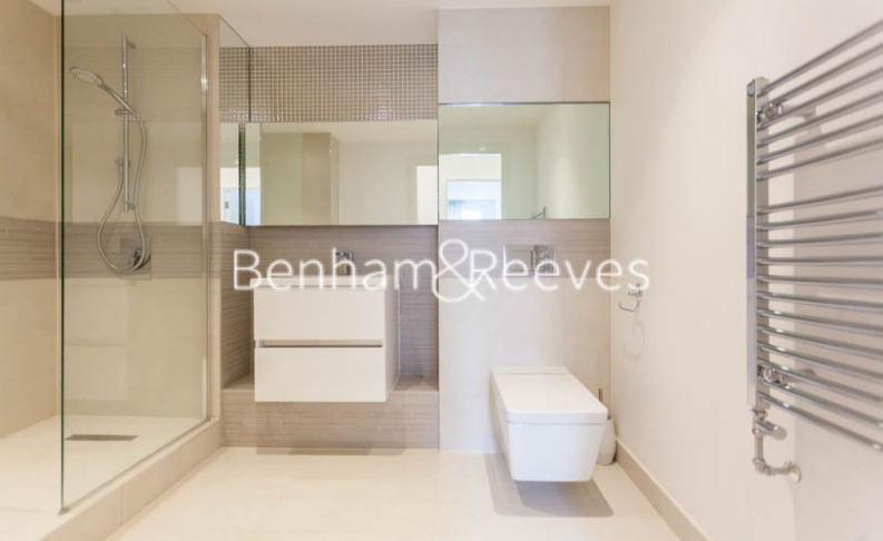 3 bedroom(s) flat to rent in Baroque Gardens, Marine Wharf, Surrey Quays, SE16-image 5