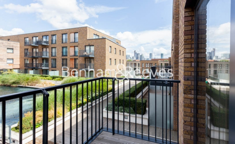 3 bedroom(s) flat to rent in Baroque Gardens, Marine Wharf, Surrey Quays, SE16-image 6