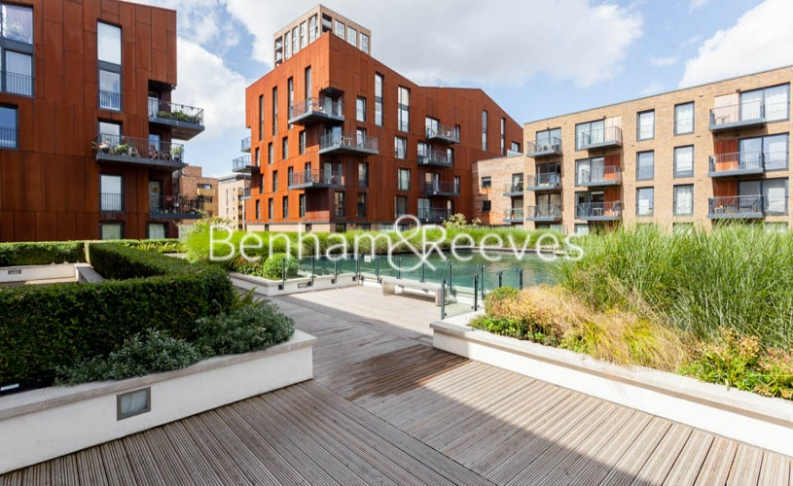 3 bedroom(s) flat to rent in Baroque Gardens, Marine Wharf, Surrey Quays, SE16-image 7
