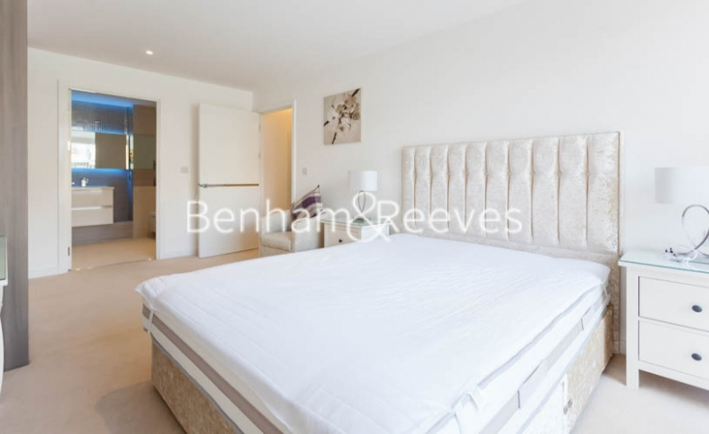 3 bedroom(s) flat to rent in Baroque Gardens, Marine Wharf, Surrey Quays, SE16-image 12
