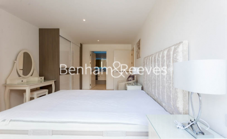 3 bedroom(s) flat to rent in Baroque Gardens, Marine Wharf, Surrey Quays, SE16-image 18