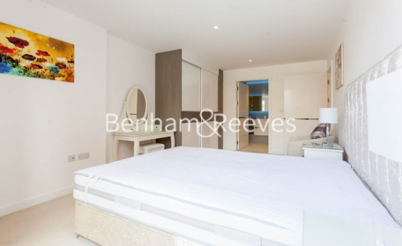 3 bedroom(s) flat to rent in Baroque Gardens, Marine Wharf, Surrey Quays, SE16-image 19