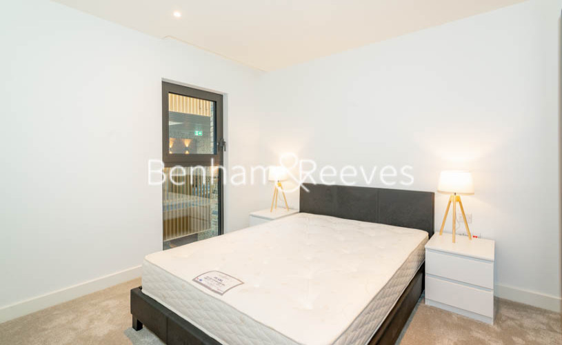 2 bedroom(s) flat to rent in Barracks Court, Major Draper Street, SE18-image 4