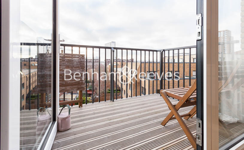 2 bedroom(s) flat to rent in Endeavour House, Ashton Reach, SE16-image 5