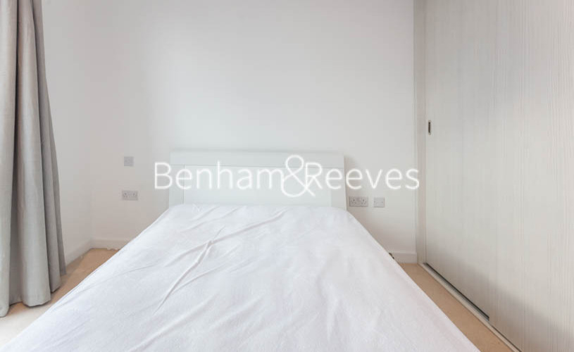 2 bedroom(s) flat to rent in Endeavour House, Ashton Reach, SE16-image 8