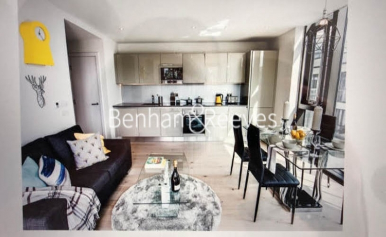 2 bedroom(s) flat to rent in Elephant and Castle, Surrey Quays, SE1-image 1