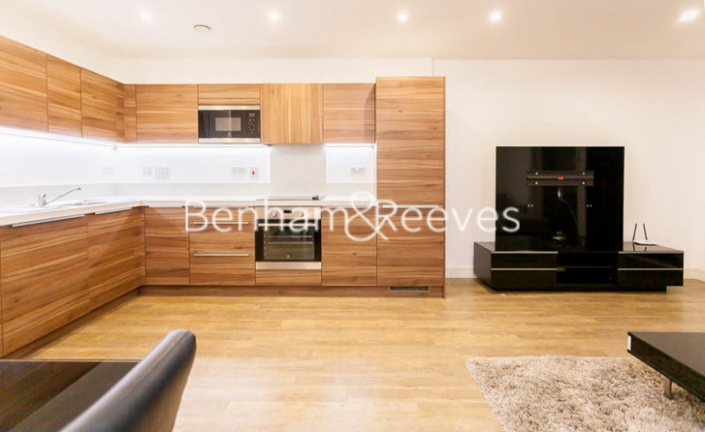 3 bedroom(s) flat to rent in Pell Street, Marine Wharf, SE8-image 2