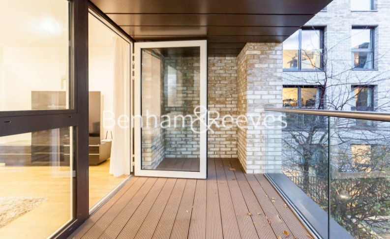 3 bedroom(s) flat to rent in Pell Street, Marine Wharf, SE8-image 5