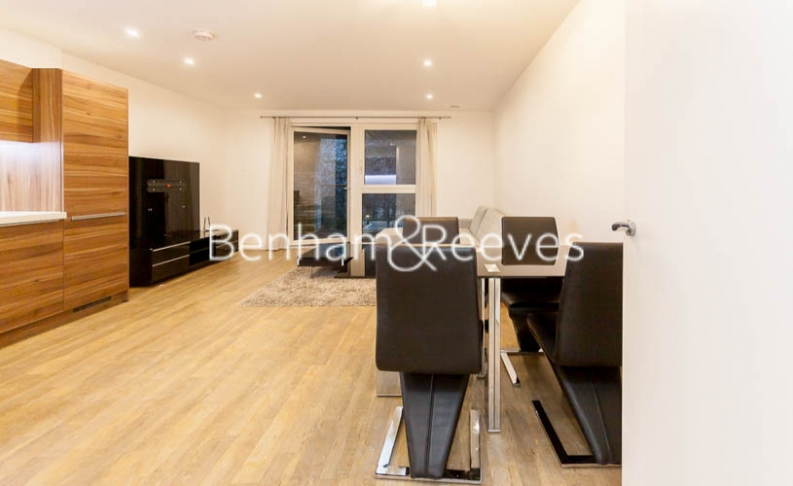 3 bedroom(s) flat to rent in Pell Street, Marine Wharf, SE8-image 6