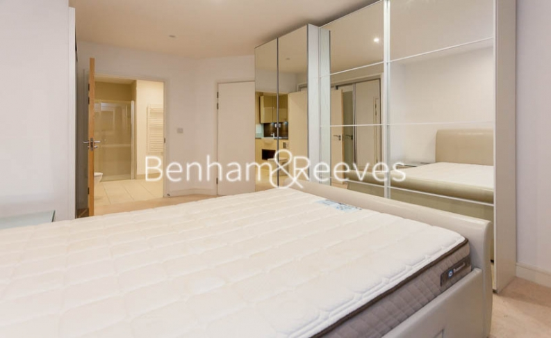 3 bedroom(s) flat to rent in Pell Street, Marine Wharf, SE8-image 11