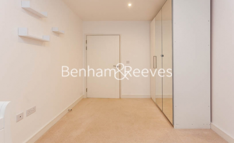 3 bedroom(s) flat to rent in Pell Street, Marine Wharf, SE8-image 13