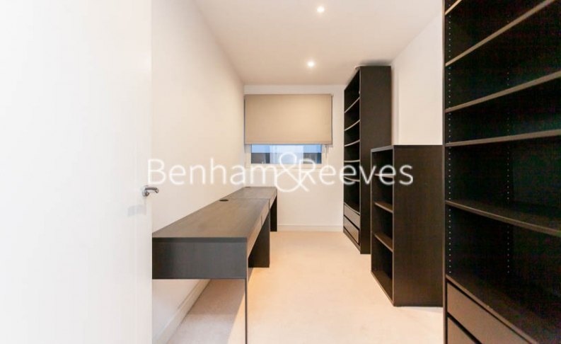 3 bedroom(s) flat to rent in Pell Street, Marine Wharf, SE8-image 16