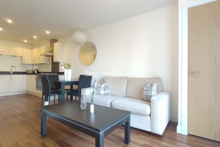 1 bedroom(s) flat to rent in Mercury House, Epsom, KT17-image 1
