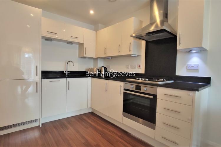 1 bedroom(s) flat to rent in Mercury House, Epsom, KT17-image 2