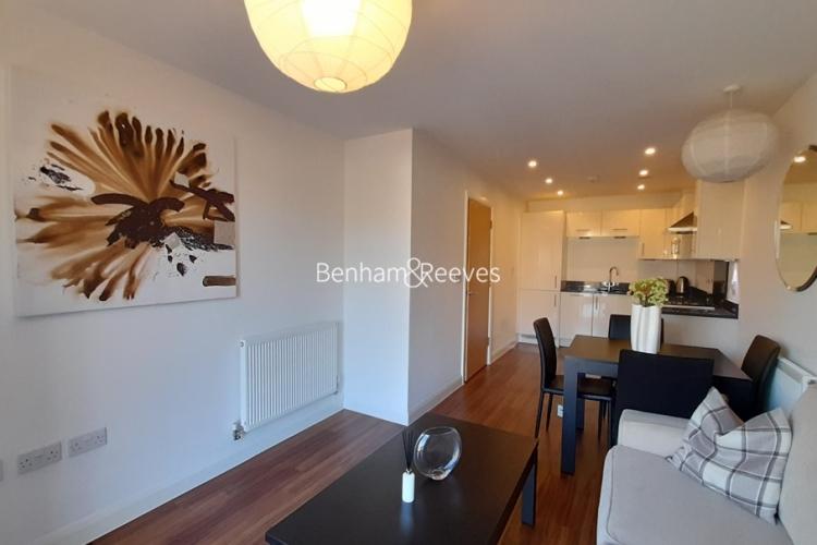 1 bedroom(s) flat to rent in Mercury House, Epsom, KT17-image 4
