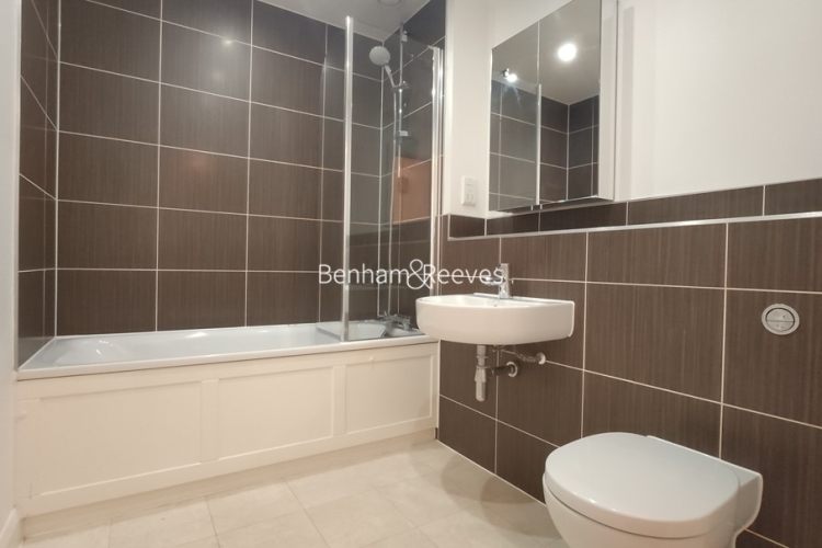 1 bedroom(s) flat to rent in Mercury House, Epsom, KT17-image 5