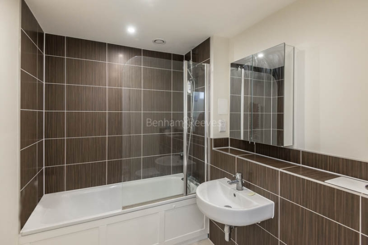 1 bedroom(s) flat to rent in Mercury House, Ewell, KT17-image 4