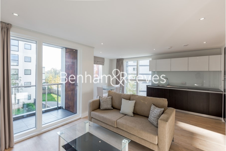 1 bedroom(s) flat to rent in Pump House Crescent, Brentford, TW8-image 1