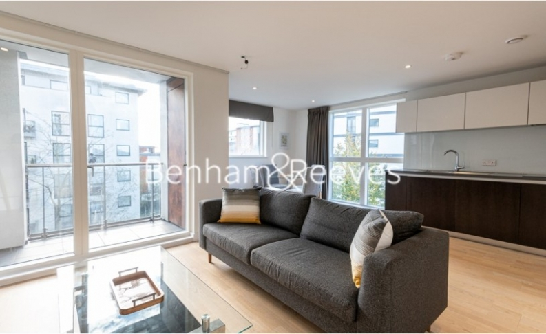 1 bedroom(s) flat to rent in Pump House Crescent, Brentford, TW8-image 4