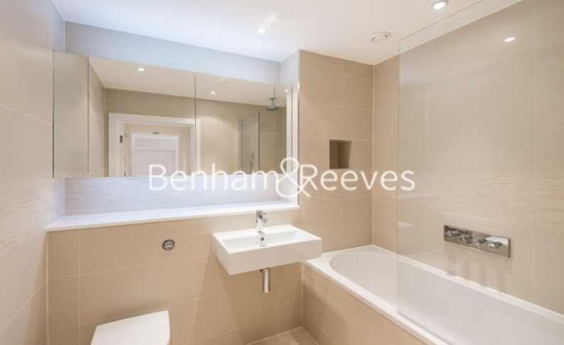 1 bedroom(s) flat to rent in Pump House Crescent, Brentford, TW8-image 5