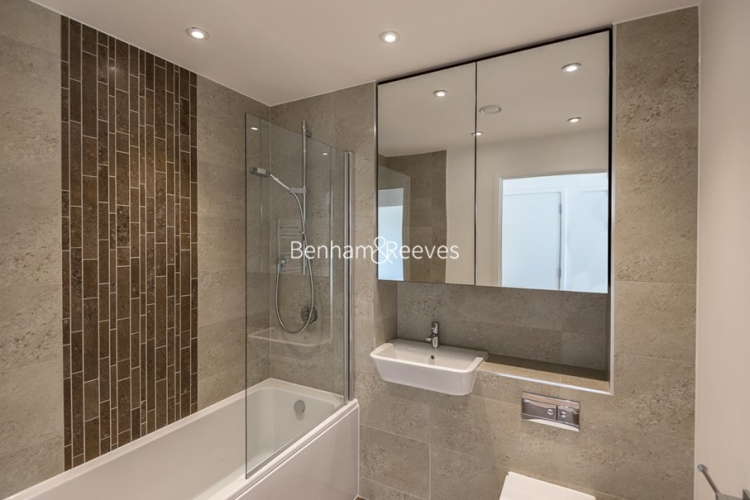 1 bedroom(s) flat to rent in Colonial Drive, Chiswick, W4-image 4