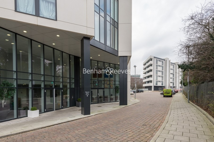 1 bedroom(s) flat to rent in Colonial Drive, Chiswick, W4-image 8