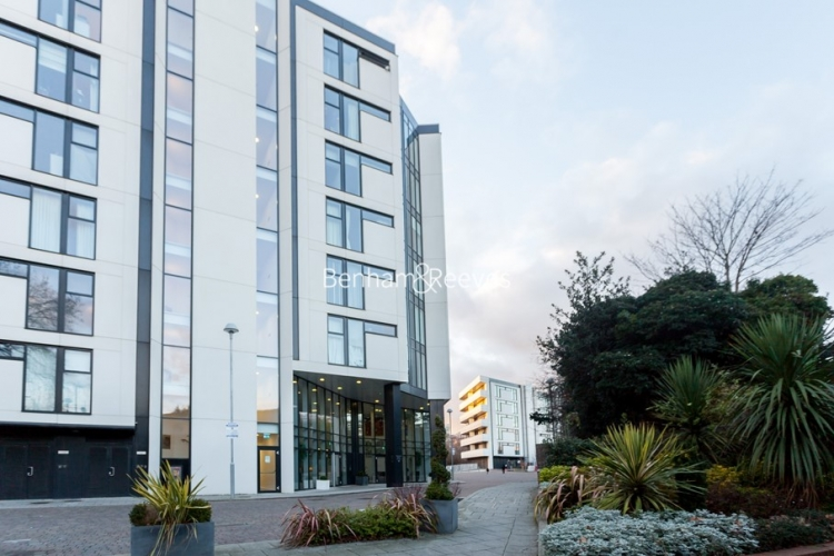 1 bedroom(s) flat to rent in Colonial Drive, Chiswick, W4-image 10