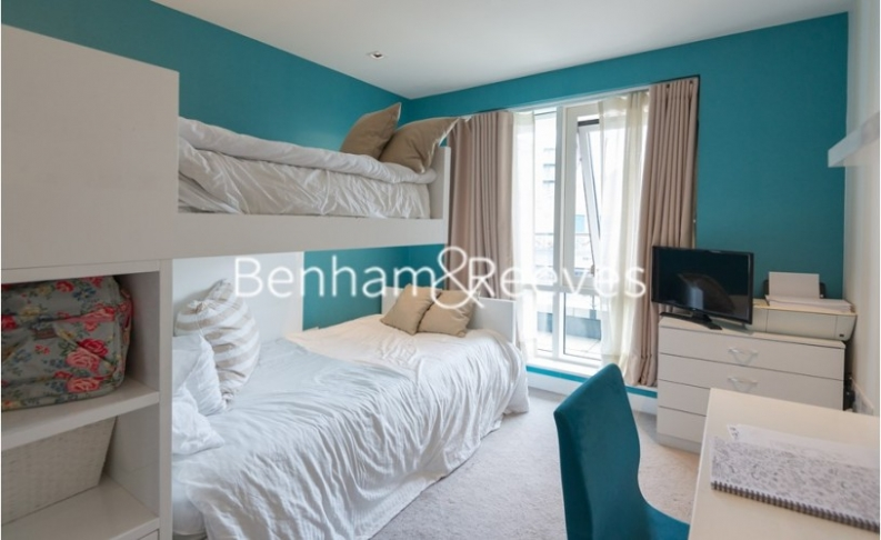 2 bedroom(s) flat to rent in Kew Bridge Road, Brentford, TW8-image 17