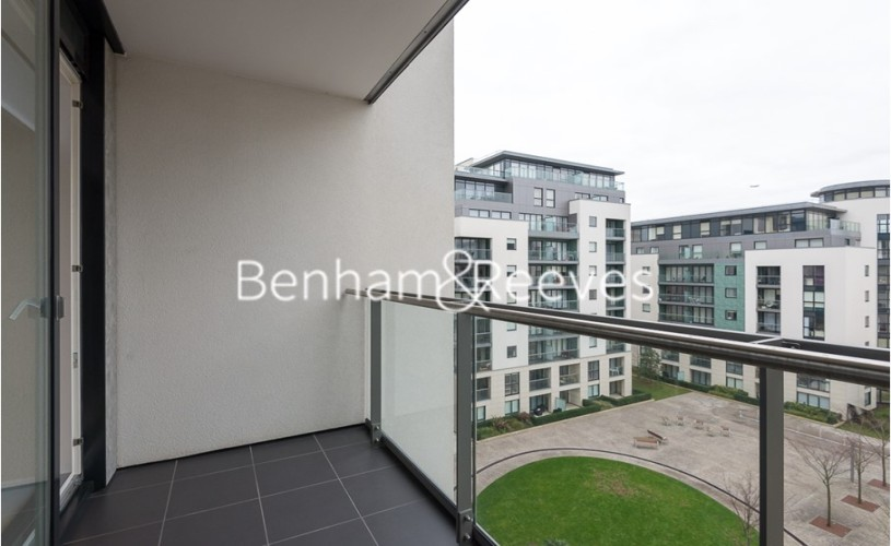 2 bedroom(s) flat to rent in Pump House Crescent, Brentford, TW8-image 8