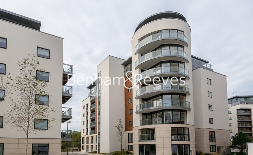 2 bedroom(s) flat to rent in Pump House Crescent, Brentford, TW8-image 13