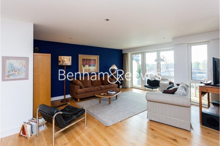2 bedroom(s) flat to rent in Belvedere House, Brentford, TW8-image 1