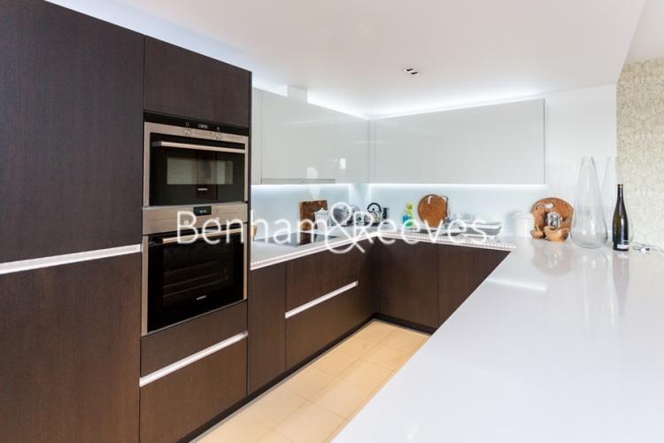 2 bedroom(s) flat to rent in Belvedere House, Brentford, TW8-image 2