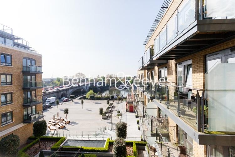 2 bedroom(s) flat to rent in Belvedere House, Brentford, TW8-image 6