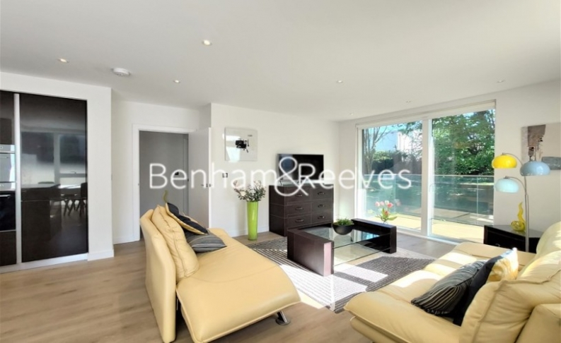 2 bedroom(s) flat to rent in Heritage Place, Brentford, TW8-image 6