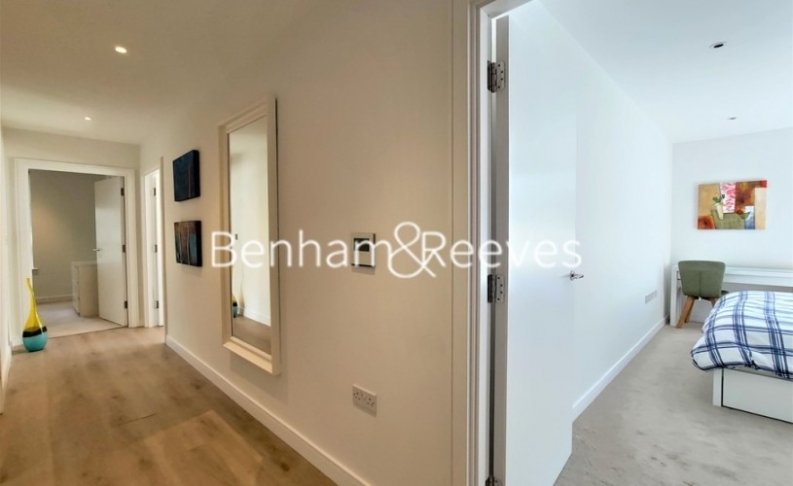 2 bedroom(s) flat to rent in Heritage Place, Brentford, TW8-image 8
