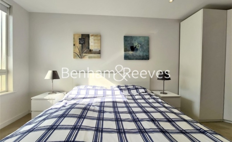 2 bedroom(s) flat to rent in Heritage Place, Brentford, TW8-image 9