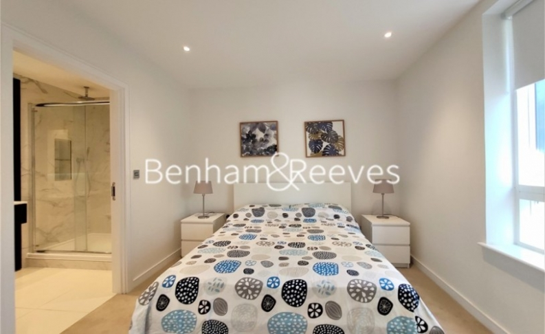 2 bedroom(s) flat to rent in Heritage Place, Brentford, TW8-image 14