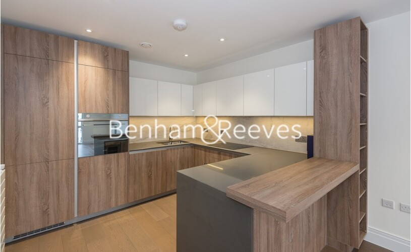 2 bedroom(s) flat to rent in Queenshurst Square, Kingston Upon Thames, KT2-image 2