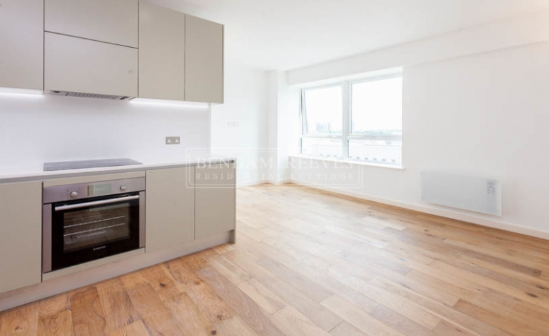 1 bedroom(s) flat to rent in Dolphin House, Sunbury-on-Thames, TW16-image 1